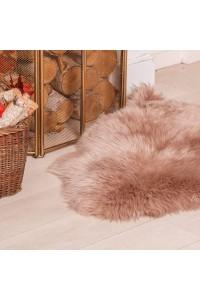 Овечі шкури і килими з овчини